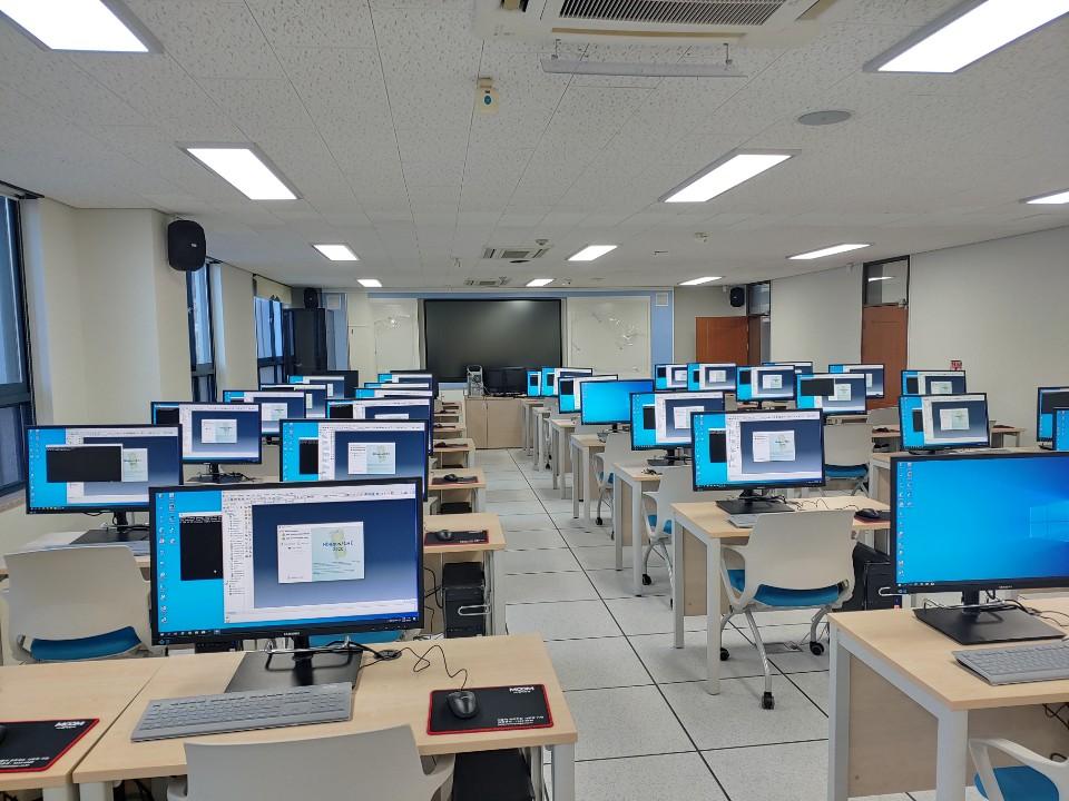 한밭대학교 창의융합 전산교육실(알테어 하이퍼웍스 구축환경)